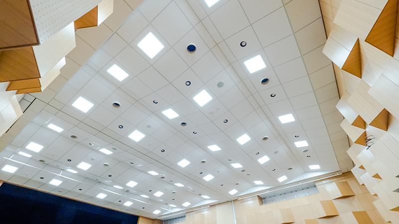 軽量天井(高さ7m)への施工例